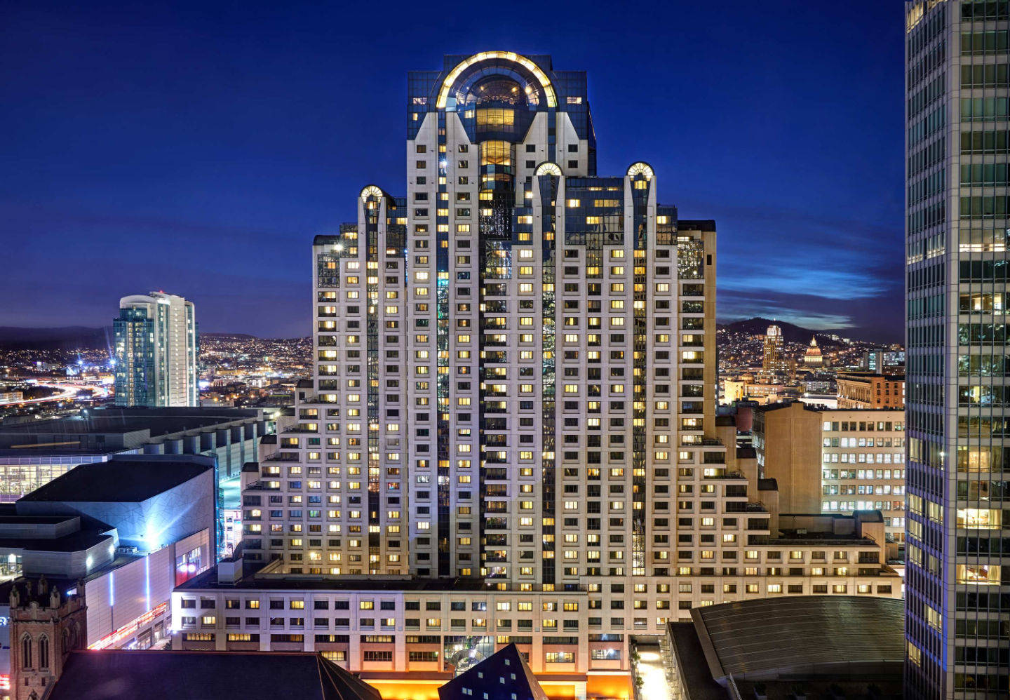 Stock image: San Francisco Marriott Marquis at night